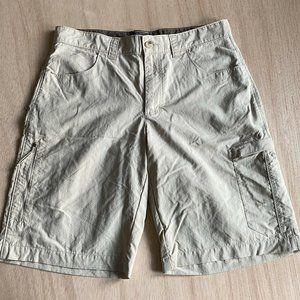 Columbia hiking cargo Shorts Mens Size 34